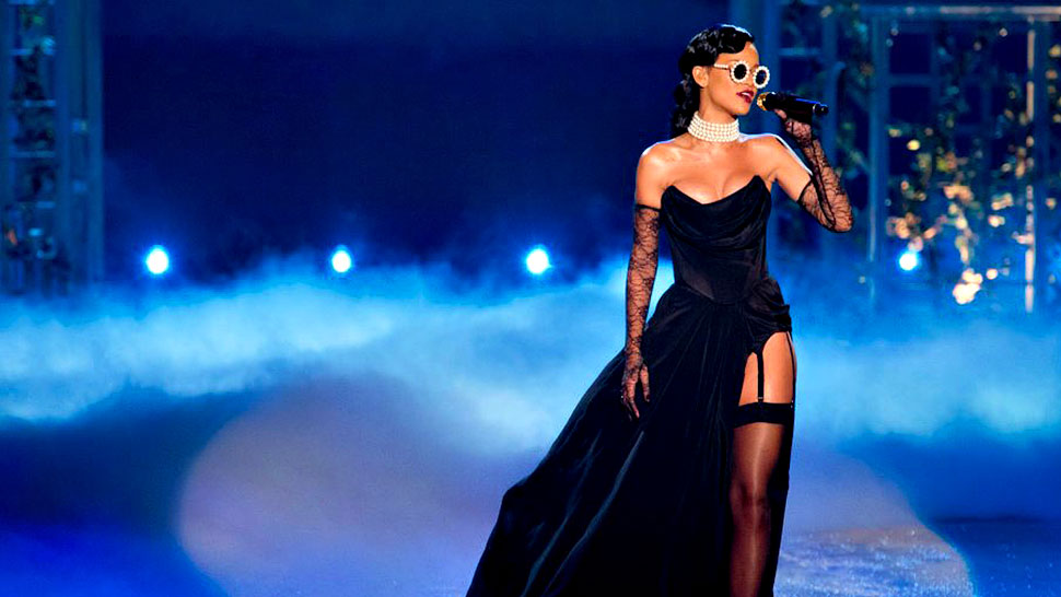 Selena Gomez And Rihanna To Perform At The Victoria's Secret 20th Anniversary Show