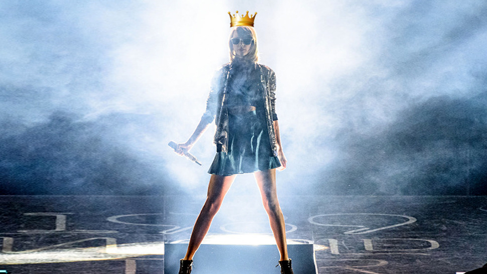 10 Reasons Why Taylor Swift Is The Rightful Queen Of Instagram
