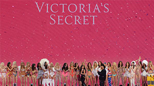 See: All The Looks From The 2015 Victoria's Secret Fashion Show