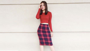 5 Ways To Wear A Sweater, According To Sofia Andres