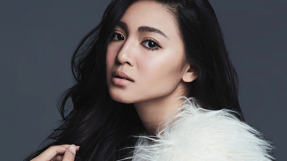 Nadine, Kathryn, Julia And Liza Front Bj Pascual's New Book