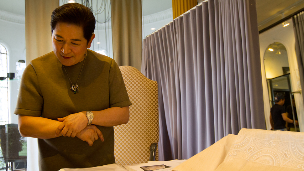 Paul Cabral Designs Barongs For The 21 Apec Leaders