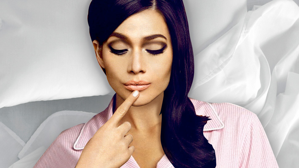 5 Reasons Why You Should Never Sleep With Your Makeup On