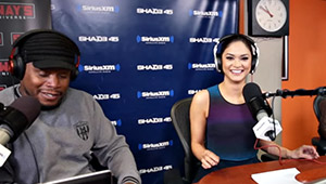 Watch: Miss Universe Pia Wurtzbach Pulls A Britney Spears On The Radio