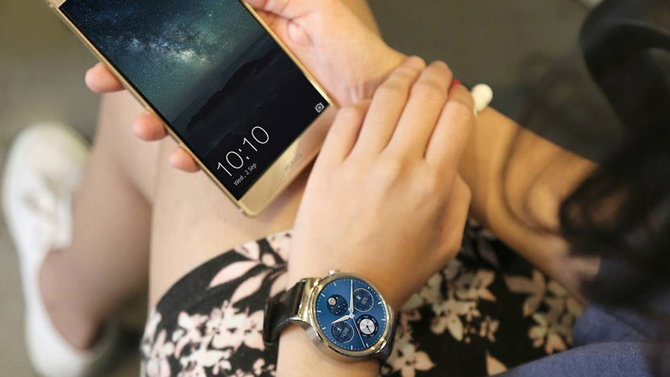 6 Reasons Why You Should Invest in a Smartwatch