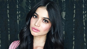Here's How Anne Curtis Does Her Own Makeup