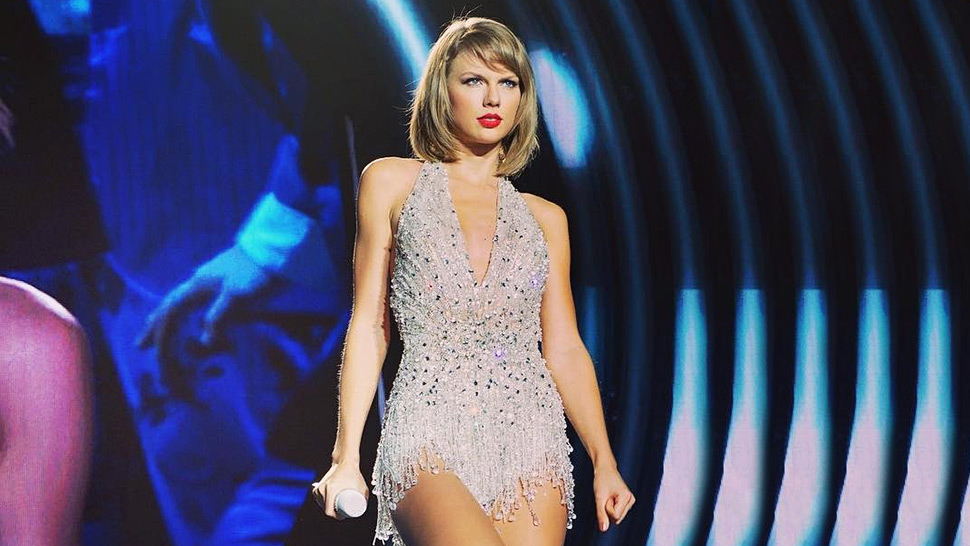 Taylor Swift Debuts Shorter Hairstyle at the Grammys