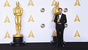 Leonardo Dicaprio Finally Bags His First Academy Award