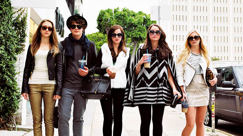 "12 Signs You're the ""Sosyal"" Friend in the Group"