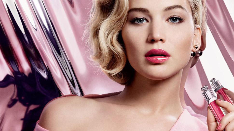 Jennifer Lawrence Makes Lip Gloss Look Cool Again