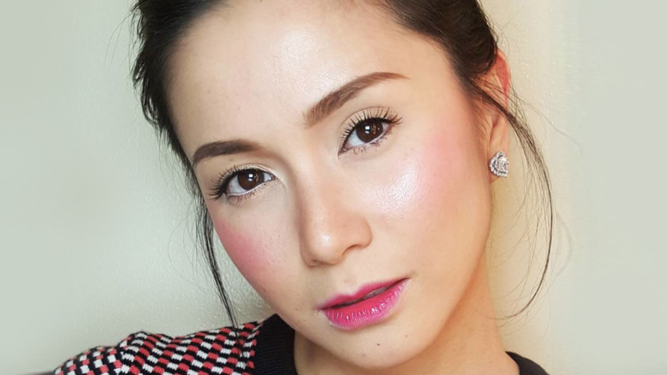 How to Achieve the Korean-Inspired Gradient Lip Trend
