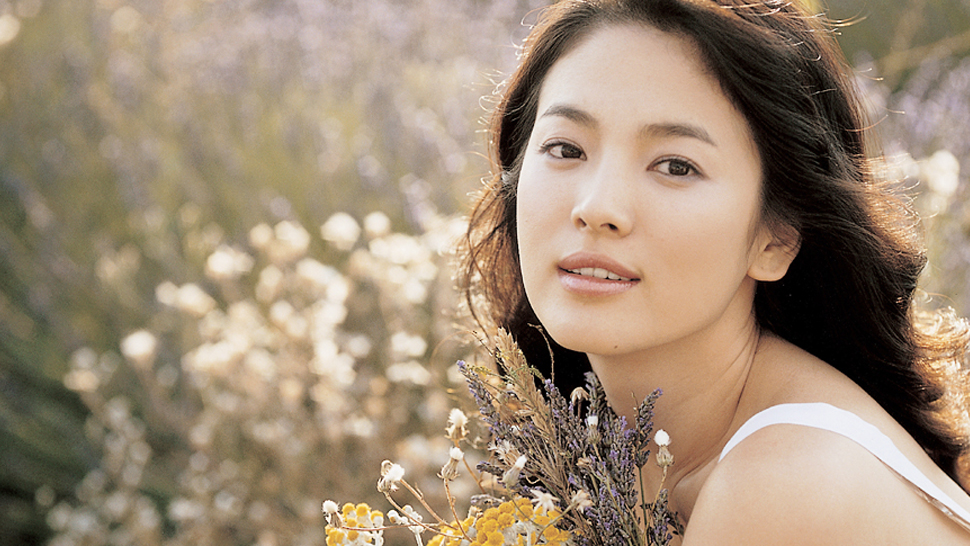 10 Korean Actresses Who Should Totally Be Your Beauty Pegs