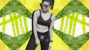 3 Superfoods For The Flattest Abs According To A Celebrity Nutritionist