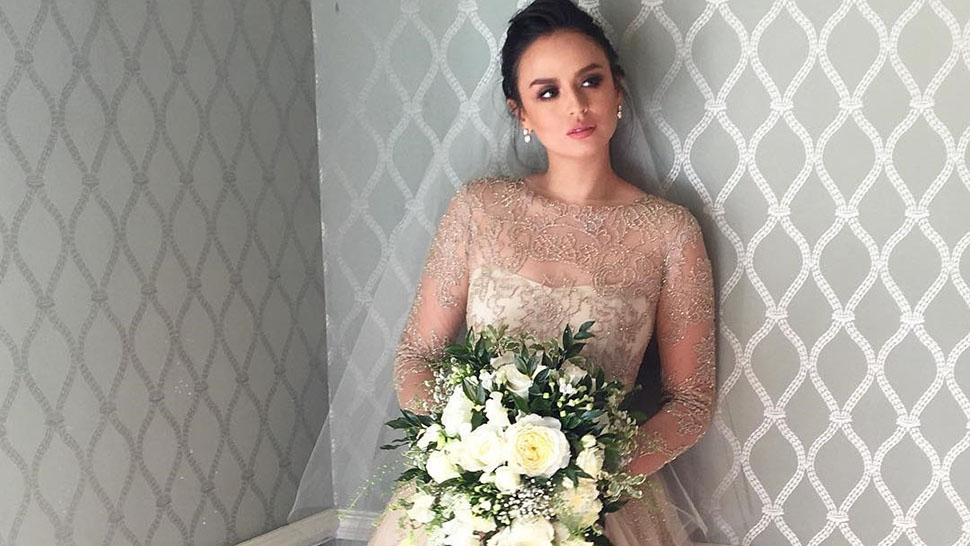 All The Deets On Georgina Wilson S Monique Lhuillier