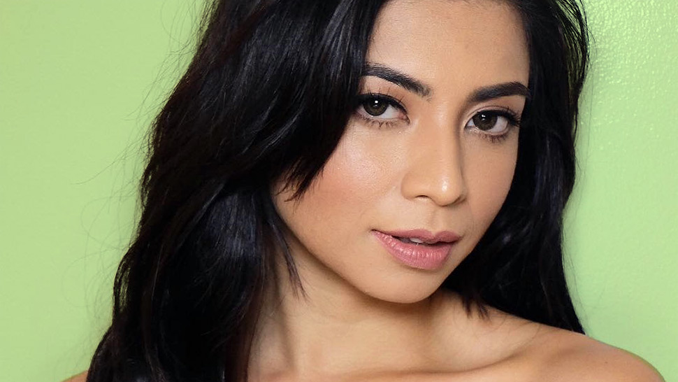 See What's Inside Glaiza De Castro's Makeup Kit