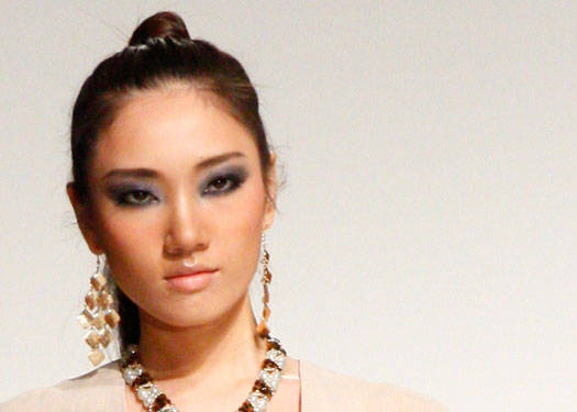 Runway Beauty: Luxe Wear A