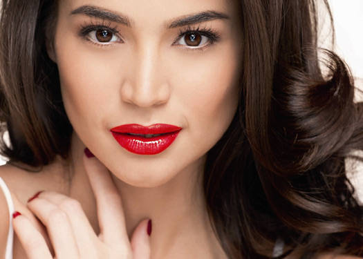 Anne Curtis Shines With Avon