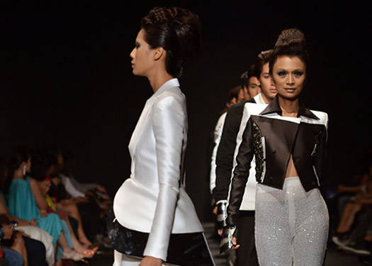 Philippine Fashion Week Holiday 2012: Bacudio, Diaz, Delos Santos, Ramirez