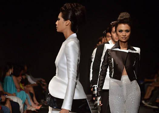 Philippine Fashion Week Holiday 2012 Bacudio Diaz Delos Santos Ramirez Preview