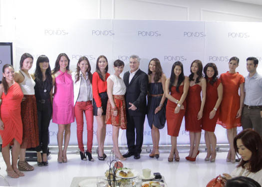 Pond's Team with PMAP Guirls