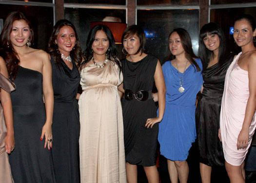 Pia Gladys Perey At Martinis
