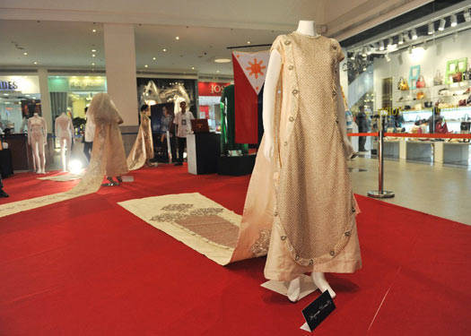 Freeway Loves Ramon Valera: Gown Exhibit