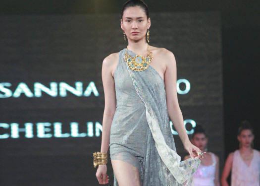 Metrowear: Rosanna Ocampo & Michelline Syjuco