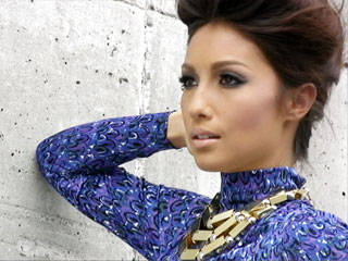 Behind The Scenes Of Preview December 2010: Solenn Heussaff