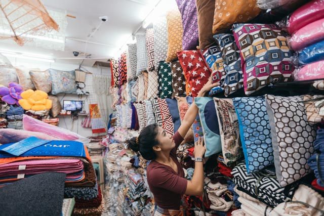 Throw Pillows Divisoria : Do Your Budget Home Shopping At 168 Mall in Divisoria RL
