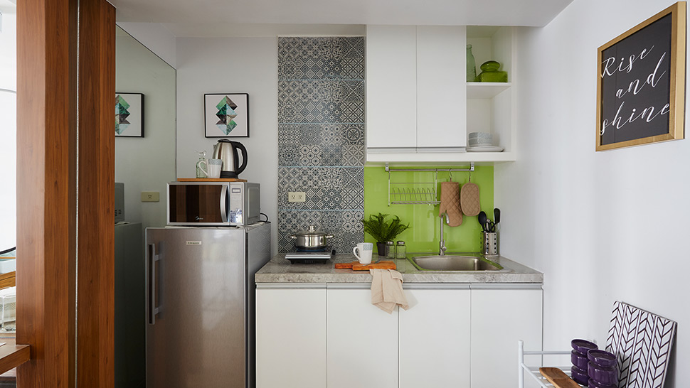 5 tiny kitchens found in real homes rl - Tiny Kitchen
