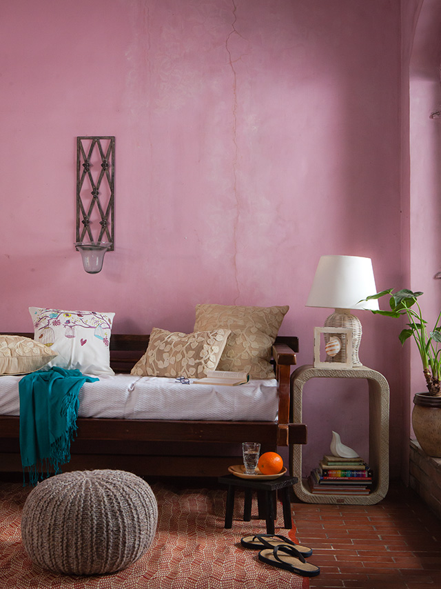 10 Nifty Tricks To Turn Your Condo Into A Tropical Haven | RL
