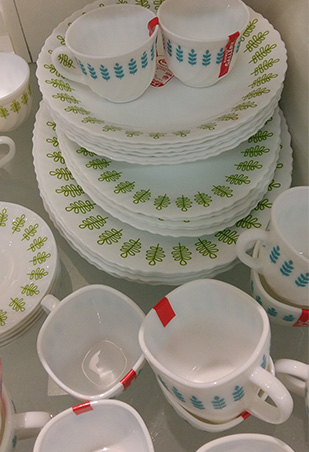 Picks We like the glazed ceramic bowls and plates with colored interiors (starts at P30); Home Gallery everyday plates with simple designs at P120 each. & Top 5 Places Where You Can Buy Affordable Dinnerware | RL