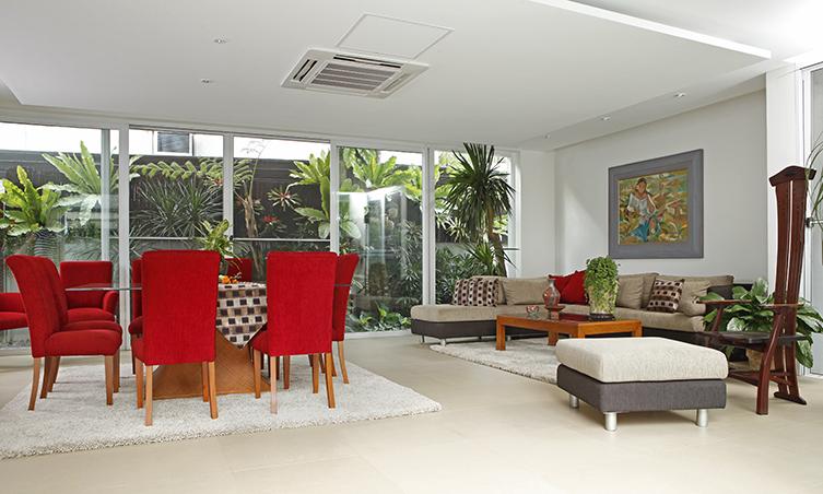 A 450sqm Home Reminiscent Of An Aussie Beach House Rl