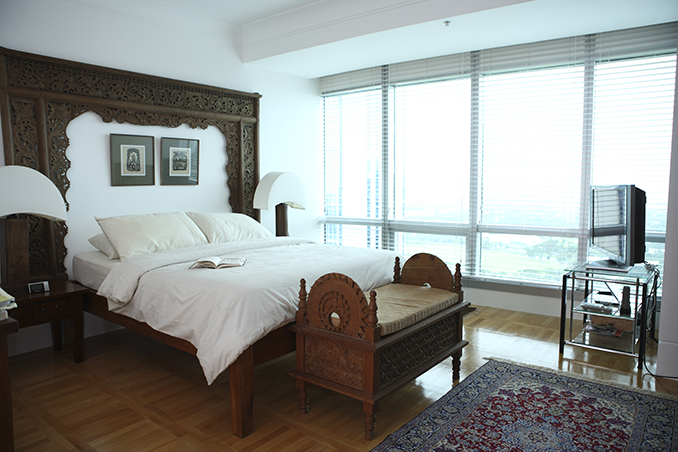 Wooden Interiors And Warm Details For A Condo Unit Located On The 40th Floor Of An Exclusive Building In Bonifacio Global City Home AJ Jenny