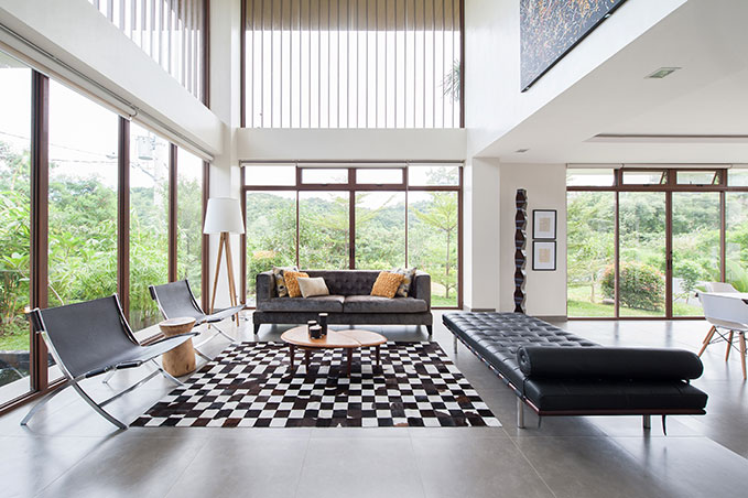Modern style for a 300sqm house in san mateo rizal rl for Modern house design 300 sqm