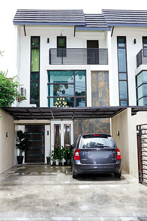 Ryzza mae 39 s modern contemporary townhouse in quezon city rl for Modern house quezon city
