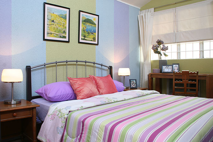 A Bedroom Makeover For A Single Mother And Her Children