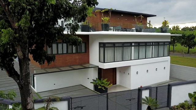 A 1000sqm Home With Dreamy Contemporary Interiors