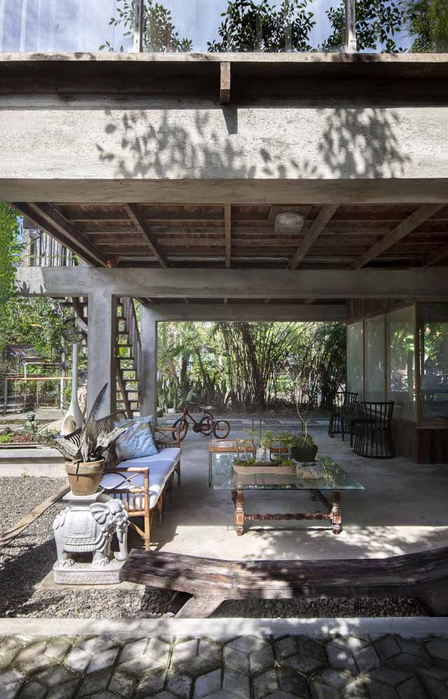 A Filipino Bahay Kubo With Modern Industrial Touches Rl