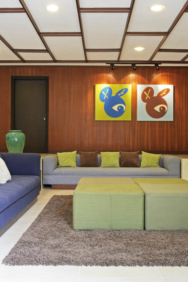 A Modern 1960s House Filled With Fun Colors And Vintage