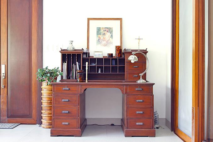 Reader Question: How Can I Paint Furniture Covered In Wax Or Varnish?