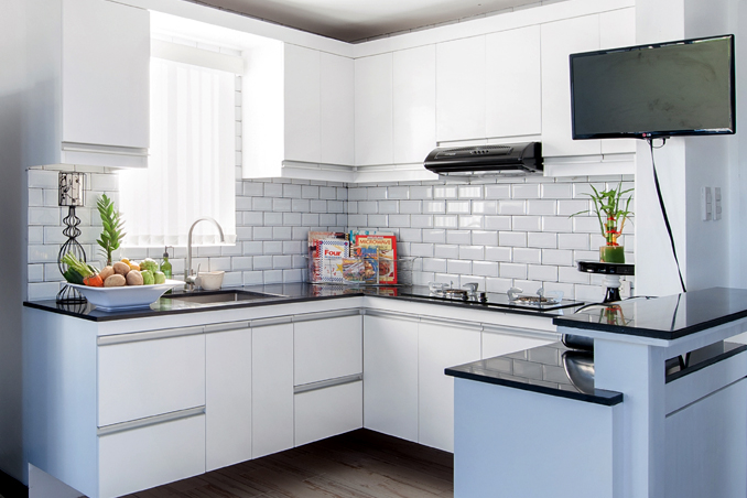 4 simple kitchen makeover ideas from professionals rl for Small kitchen design pictures philippines