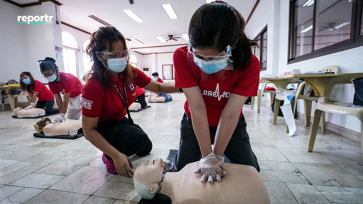 philippine red cross cpr with mask