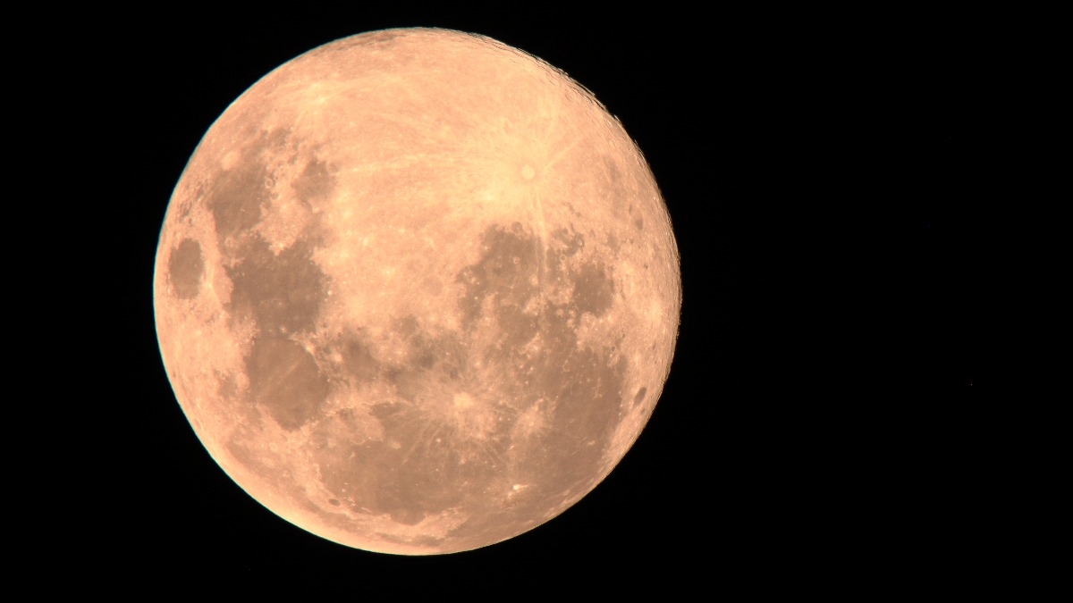 supermoon, <b>It&#8217;s your last chance to see the Pink Supermoon tonight</b>