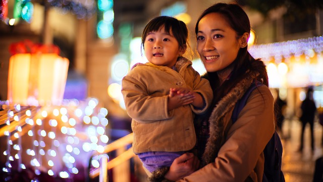 Feel the Holiday Spirit at These Free Family-friendly Events