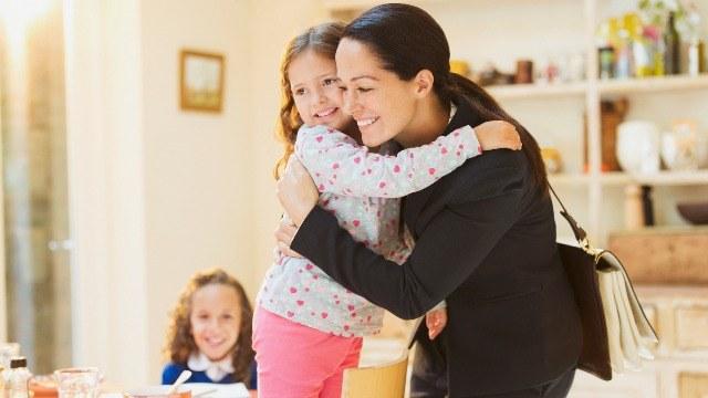 How Career Moms Can Keep an Eye on Their Kids