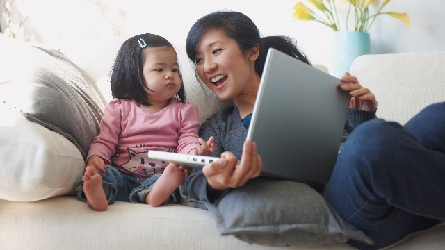 How Work-at-Home Moms Can Better Manage Their Time