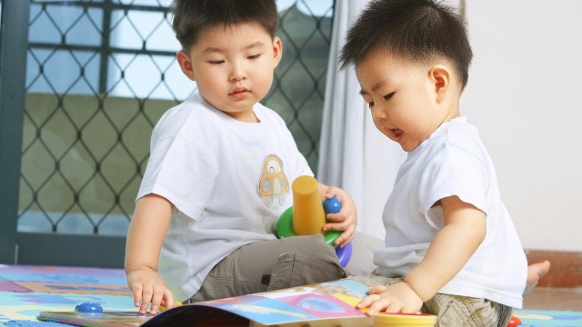 Experts Say This Is How You Raise Kind-Hearted Kids