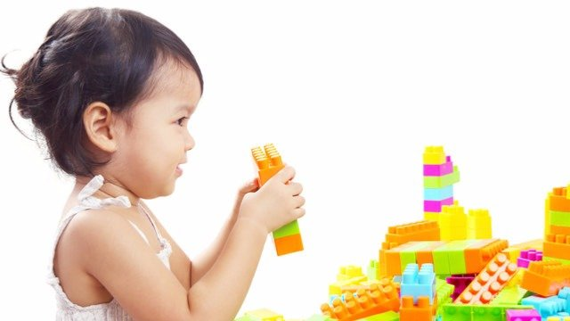 How Building Blocks Can Boost Your Toddler's Brain and Body