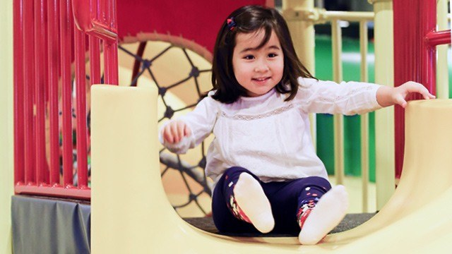 What It's Like to Join a Playdate with Scarlet Snow